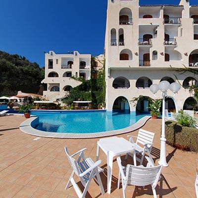 Hotel Carasco Piscina